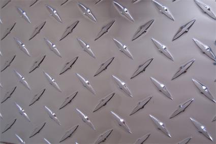 铝板 防锈铝板 花纹铝板 纯铝板 镜面铝板 拉丝铝板 铝圆牌 铝滑槽 铝三角牌 铝卷带 标志牌专用材料 铝棒 铝卷 合金铝板 幕墙铝板 瓦楞铝板 5052铝板 3003铝板 1060铝板 6061铝板